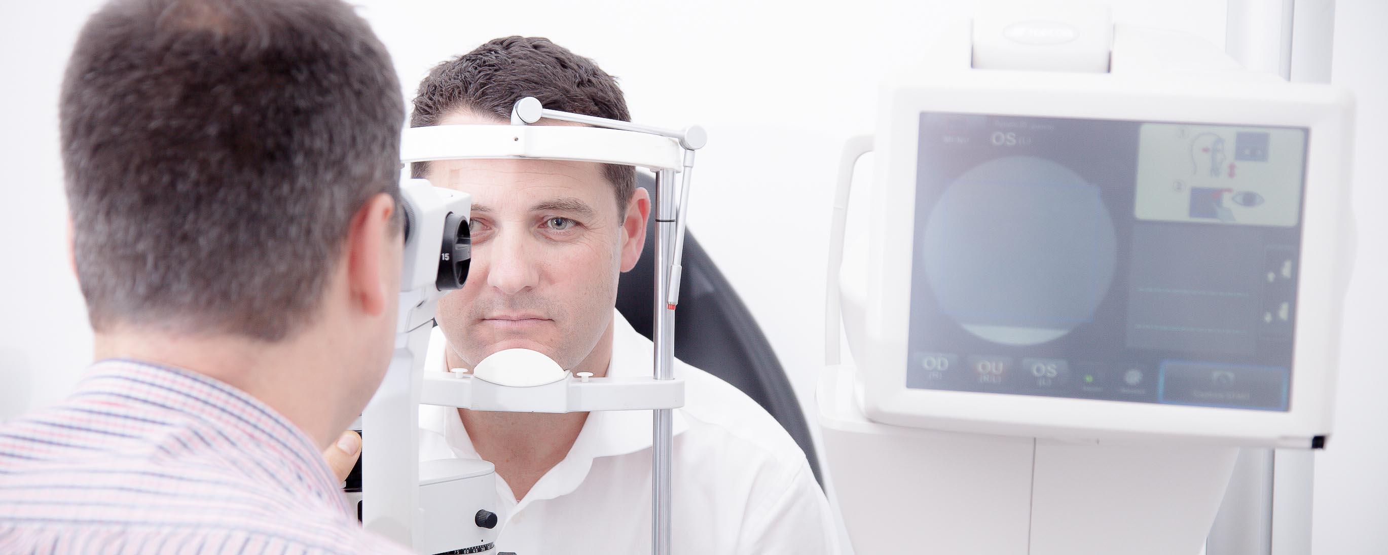 Eye test with Paul Akers Eyes of Bright Optometrist